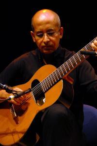 Luiz-de-Aquino-guitare-Bastien-Burlot