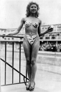 premier-bikini-Micheline-Bernardini